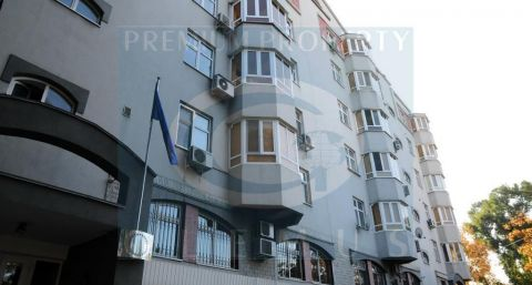 Apartment building on 40, Eminescu street