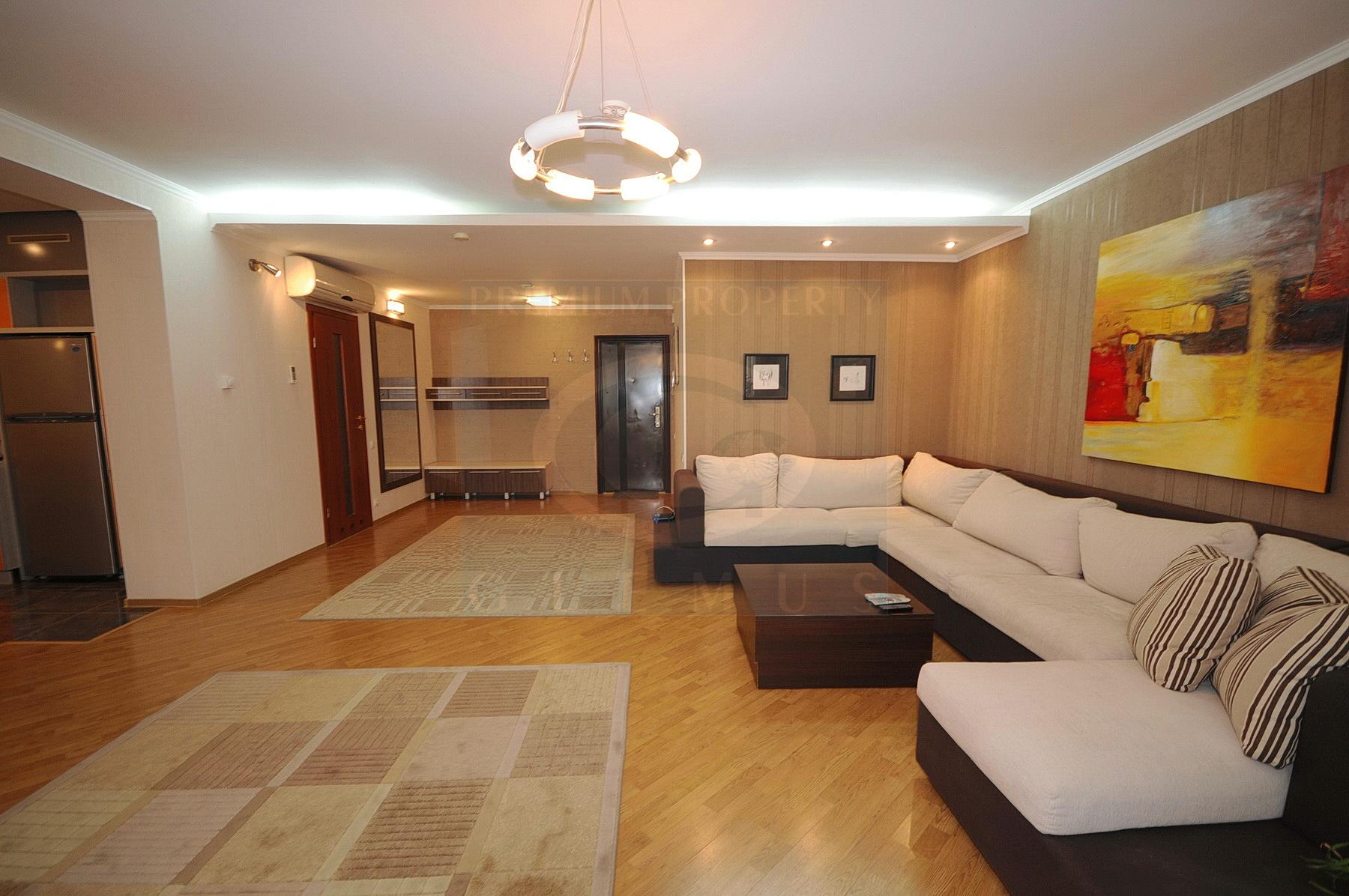 Large one-bedroom apartment in a quiet part of City Center
