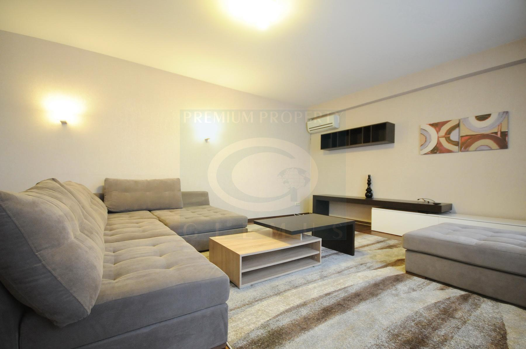 Large unfurnished apartment on Stefan cel Mare Ave.