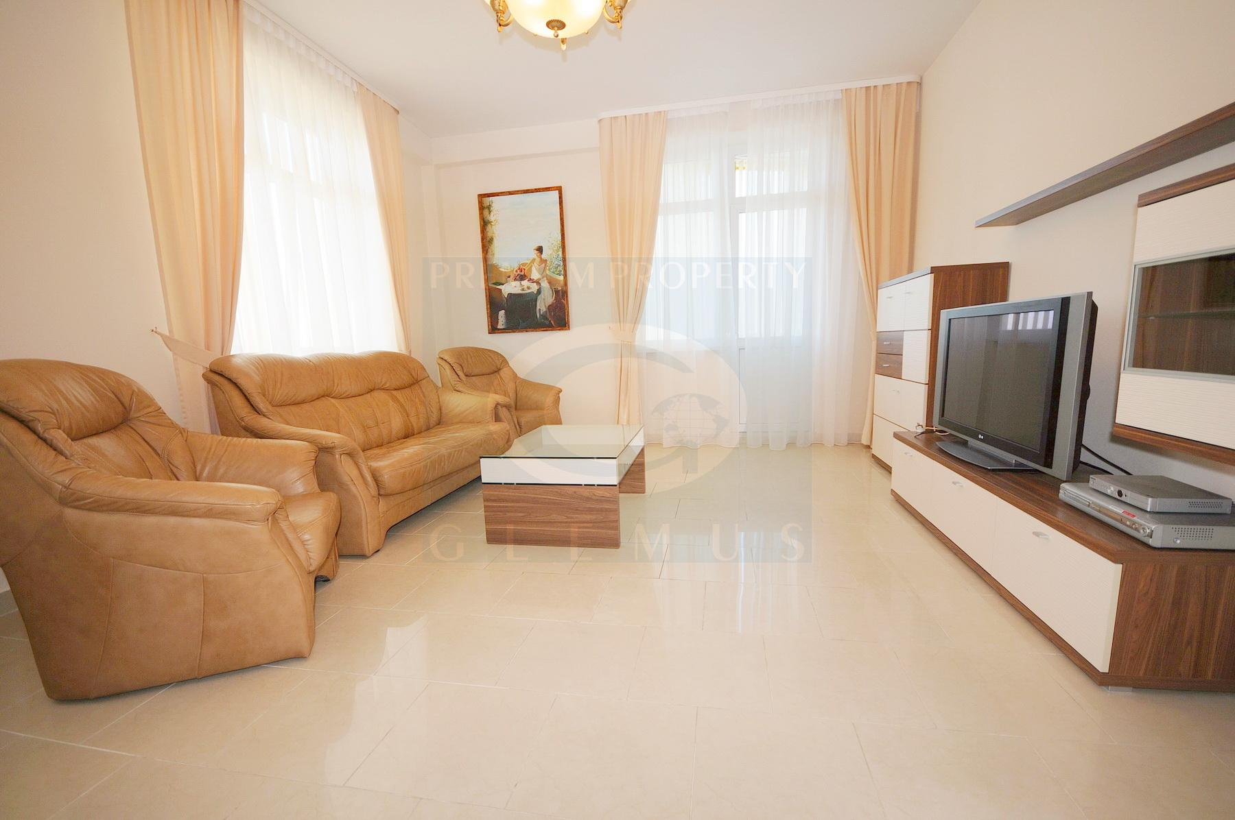 Two-bedroom apartment on the high floor in Lara City